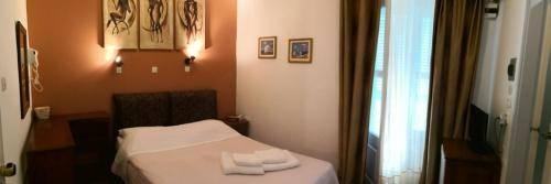 Kirki hydra hotel room double 3