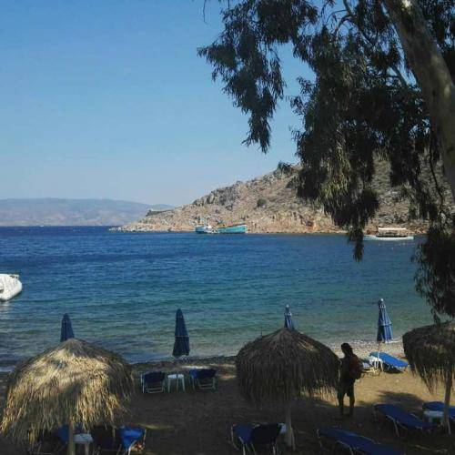 mandraki beach hydra 6
